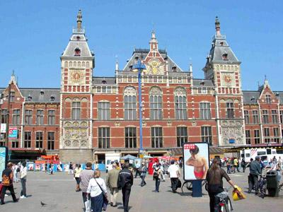 Amsterdam itinerari per le strade damrak e amstel de - Agenzie immobiliari amsterdam ...