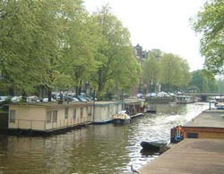 Amsterdam le house boat battelli e case galleggianti in for Amsterdam vacanza